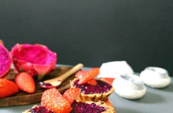 No Bake Dragon Fruit Jam Tarts recipe by www.vegetariantastebuds.com