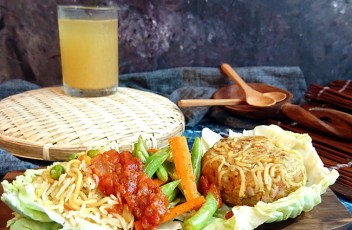 Maggi Sizzler recipe by www.vegetariantastebuds.com