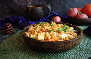 Matar Paneer Pulao recipe by www.vegetariantastebuds.com