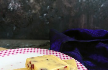 White Chocolate Cranberry Fudge recipe by www.vegetariantastebuds.com