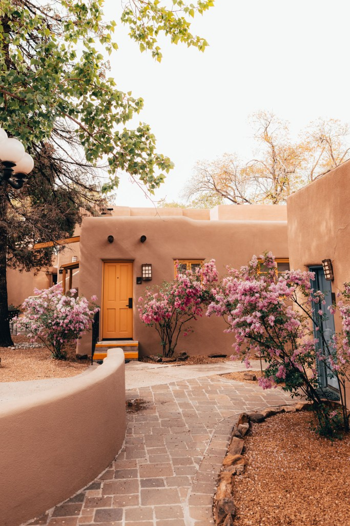 Santa Fe In One Day (Choose Your Own Adventure)
