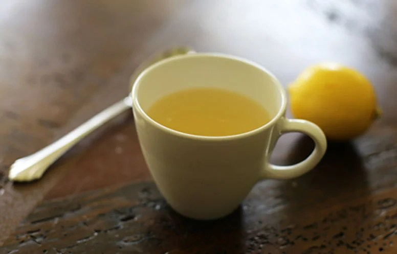 Hot Lemonade Recipe To Help With A Sore Throat Or Cough