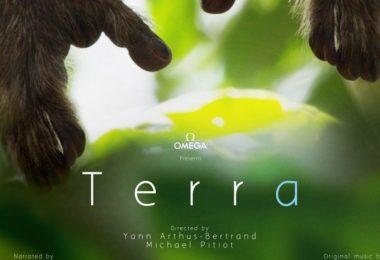 Terra-Affiche-yann-arthus-bertrand_l-825x465