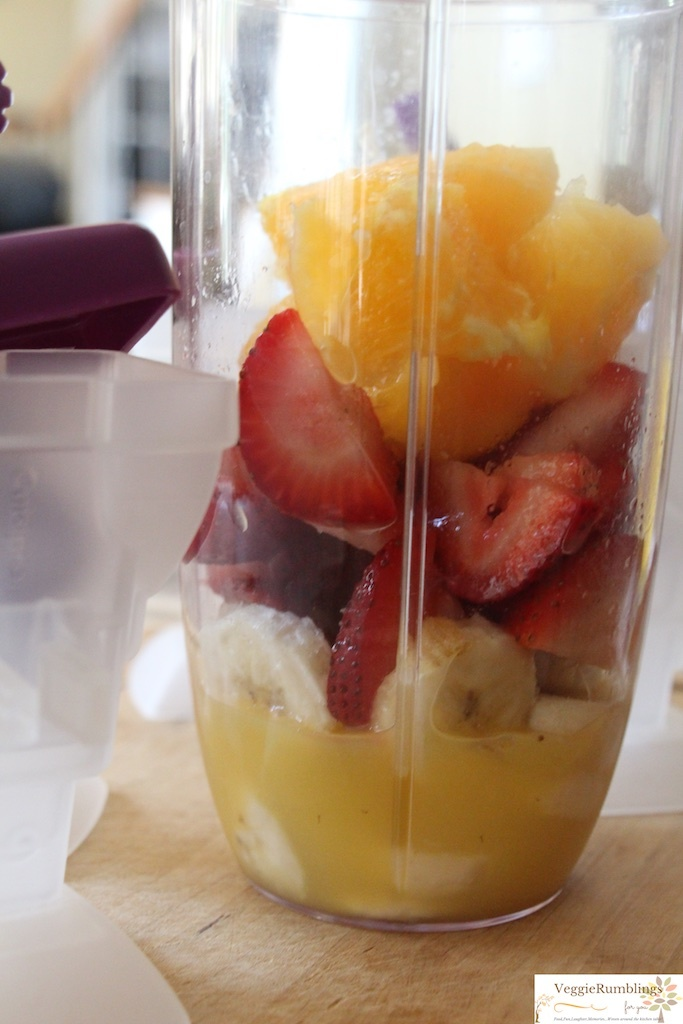 Strawberry, Orange & Banana Popsicle : 4 ingredients. No sugar added, super healthy