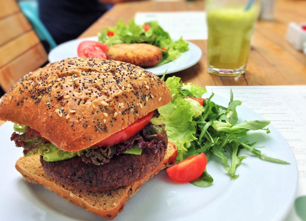 Vegan food guide to bucharest romania veggie visa simbo restaurant bucharest romania forumfinder Images