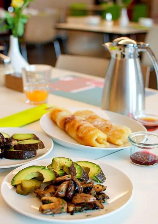 vegan brunch at hotel otto berlin