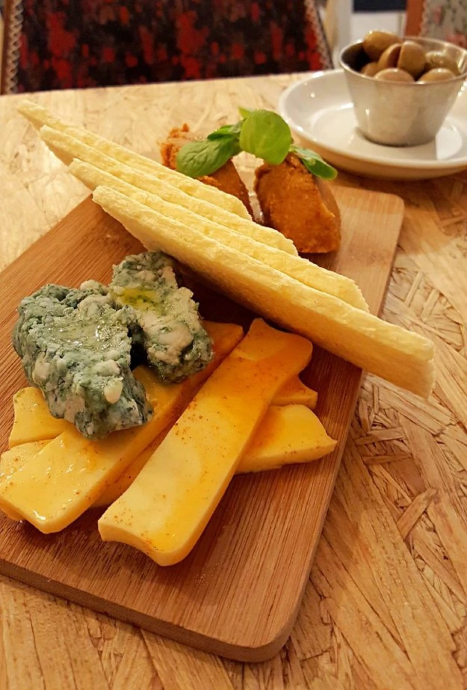 vegan cheese plate nicpic in Malaga Spain