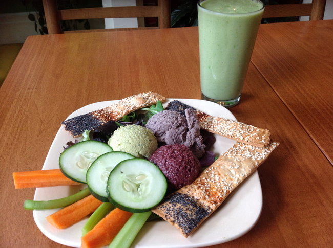 Gaia Dip Trio with Green Smoothie