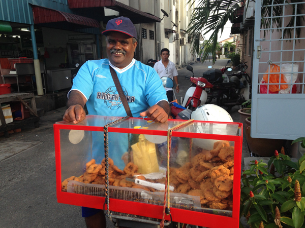 Mr Kumar selling vadai, not part of the healthy eating plan but so delicious!