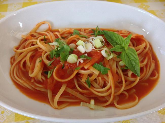 Linguine Al Pomodoro with Basil