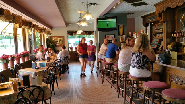 European Street Café, A Favorite Vegan Meetup Venue In Northeast Florida.