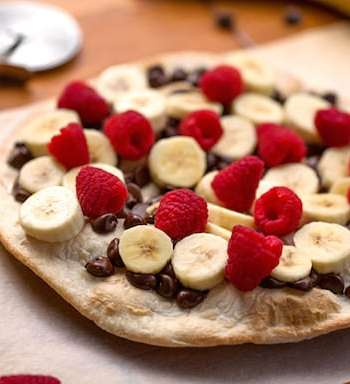 Chocolate Banana Pizza