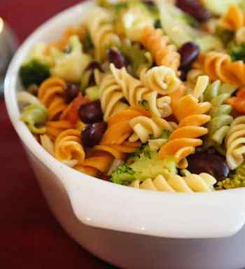 Pasta with red beans and broccoli