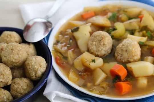 Sephardic-Style Matzo Ball Soup (vegan)