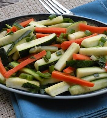 Zucchini with carrot and mint
