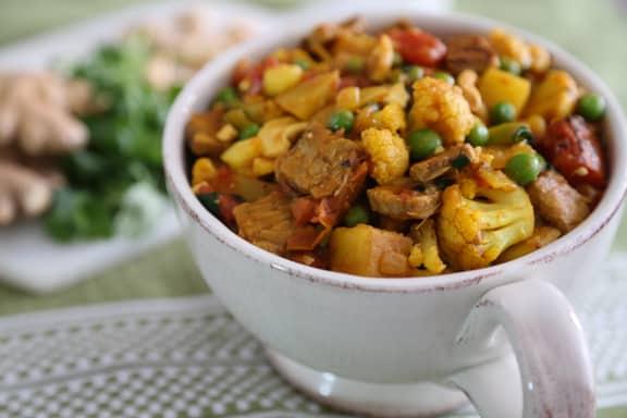 Cauliflower Tempeh Curry