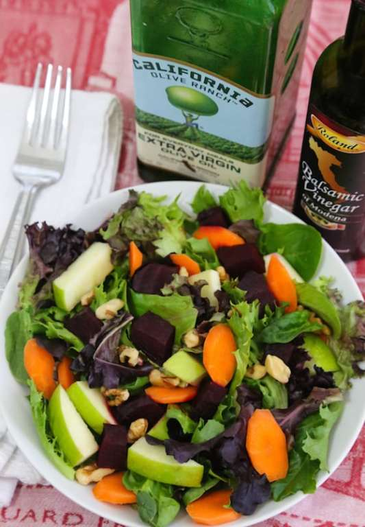 Mixed greens salad with apple and pickled beets recipe