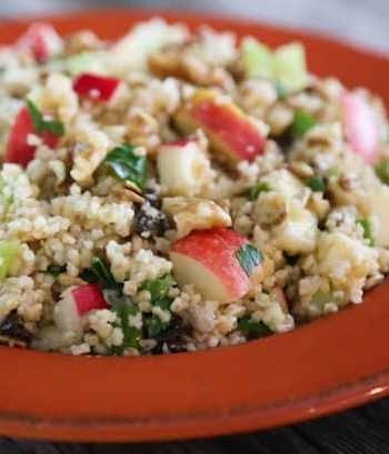 Bulgur salad with fruits and nuts