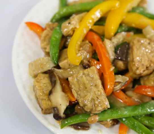 Tempeh and green beans with shiitake-miso gravy recipe