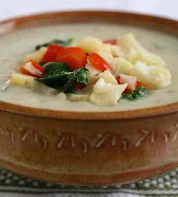 Vegan cream of cauliflower soup
