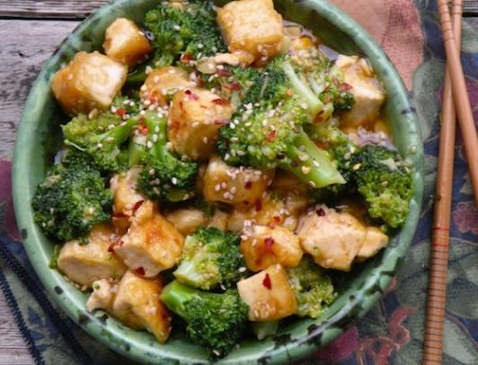 Sesame-ginger tofu and broccoli recipe