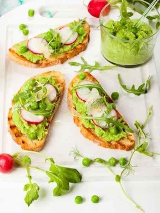 Green pea and arugula spread or dip