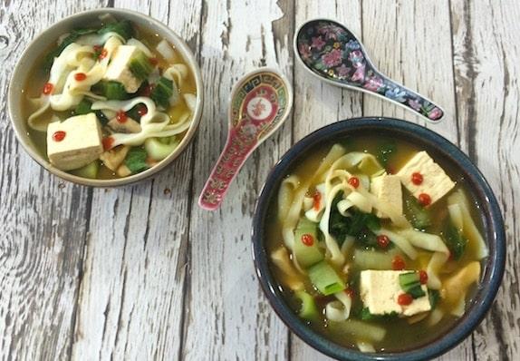 20-minute asian vegetable noodle soup