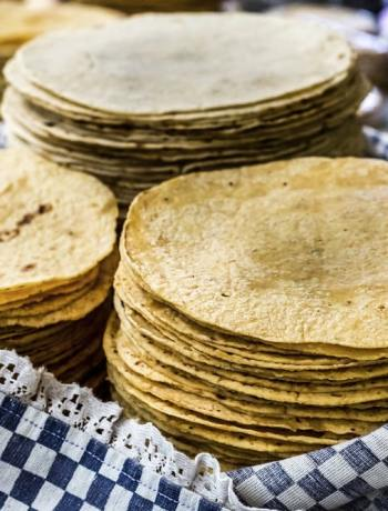 are tortillas vegan