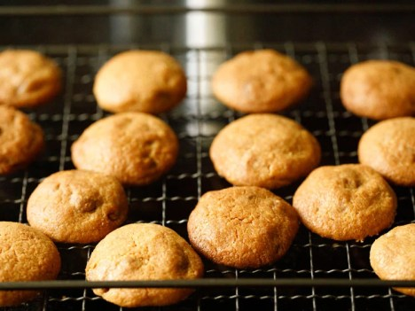 cookies cooling on wire rack