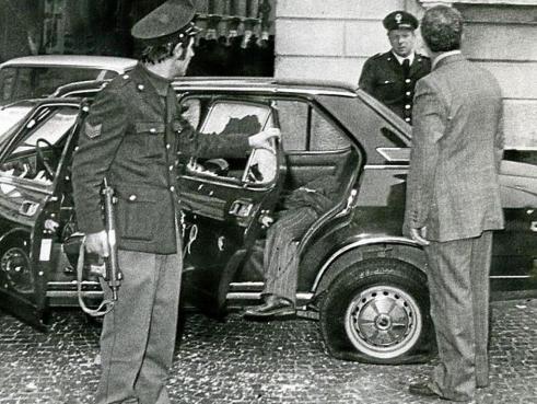 verona 1977 piazza nogara sparatoria bandito morto