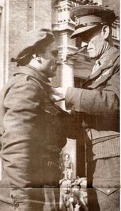 Bulow-medaglia-oro-dal-generale-inglese