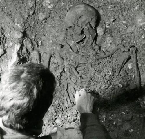 Verona: scheletri umani, guerriero longobardo, trovati durante i lavori a Palazzo Zenobi nel 1992