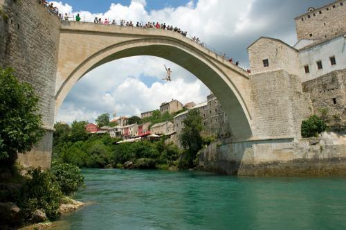 Den gamle bro i Mostar (Bosnien)