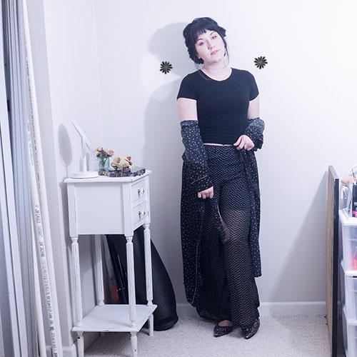 Your witchy, thrifted outfit for spring.