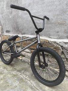 Fitness Sports Outdoors Vélo BMX Freestyle 20 pouces pour cyclistes débutants à avancés Cadre Crmo complet haute résistance Pignon en alliage d'aluminium 8 boutons 25T + Moyeu arrière d'arbre de ty