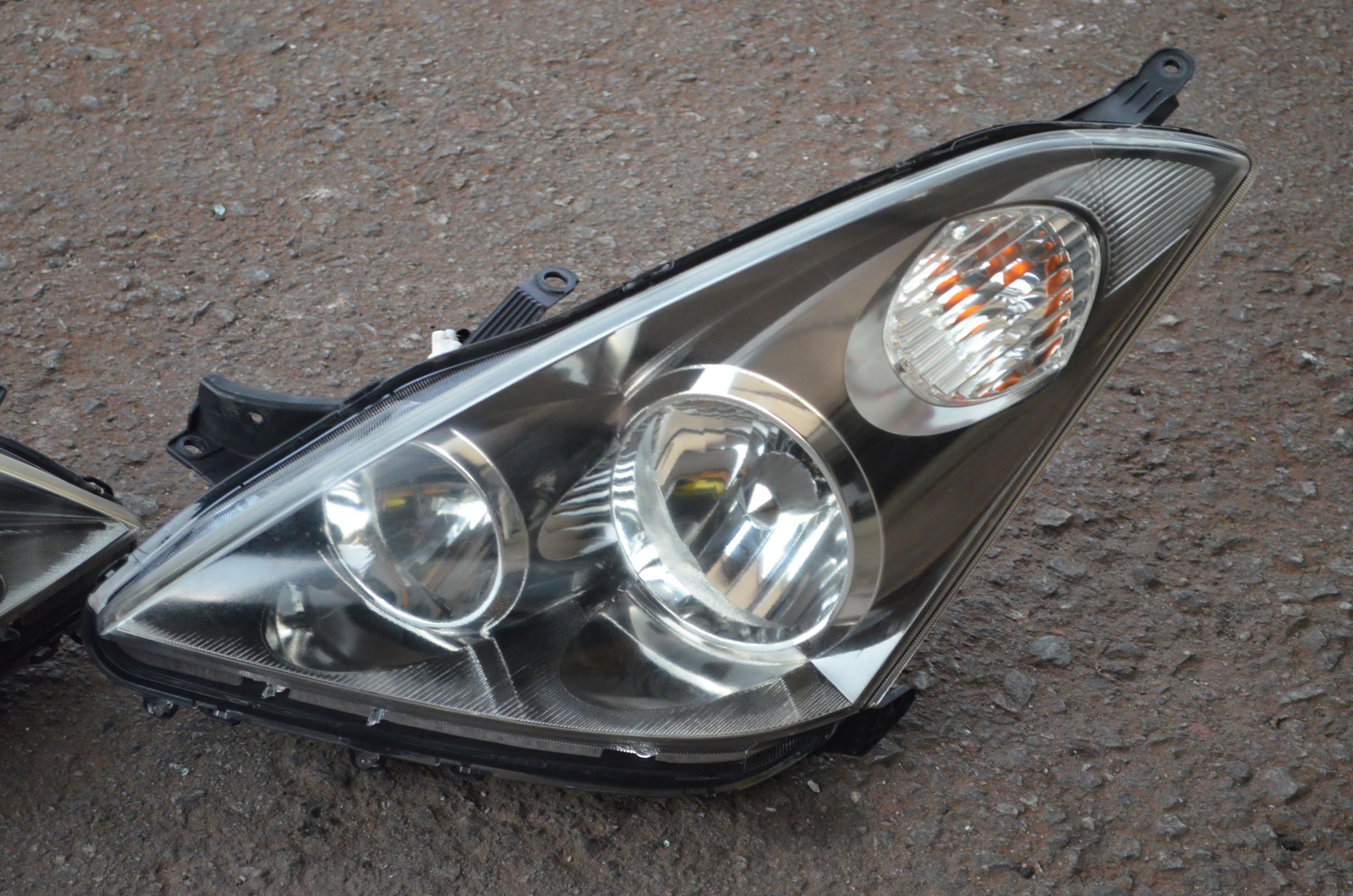 Toyota Wish Ane10 Zne10 HID Headlamp Japan