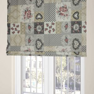 Bedroom blinds with pink roses – hearts