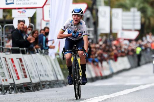 Clásica San Sebastián: Annemiek van Vleuten goes solo for rainsodden victory