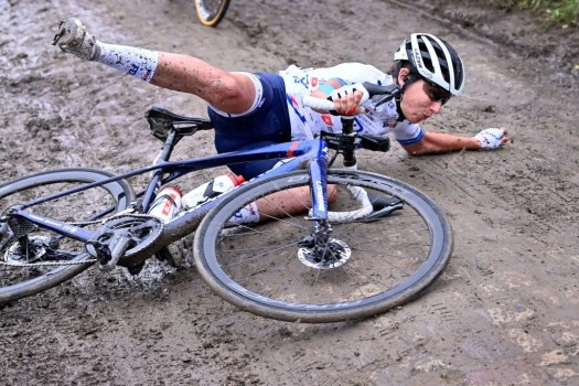 Thrills and spills at Paris-Roubaix Femmes: Less than half finish, and 44 miss time cut