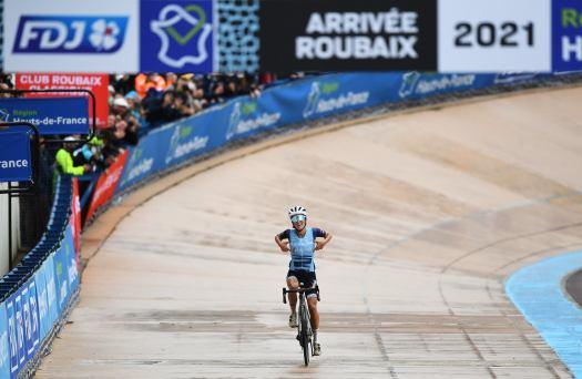 Lizzie Deignan on Paris-Roubaix Femmes triumph: 'We are part of history now, there's no going back'