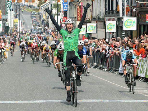 Paul Helion wins the big bunch sprint for Stage 6.  (Photo c Lorraine O'Sullivan)