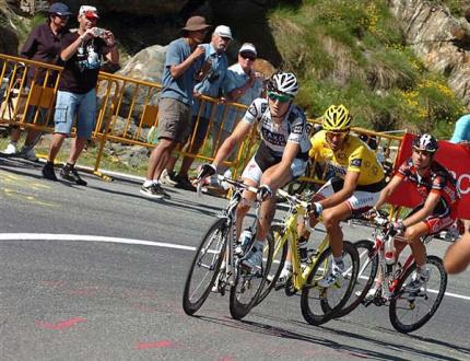 Cancellara is dropped and loses yellow.