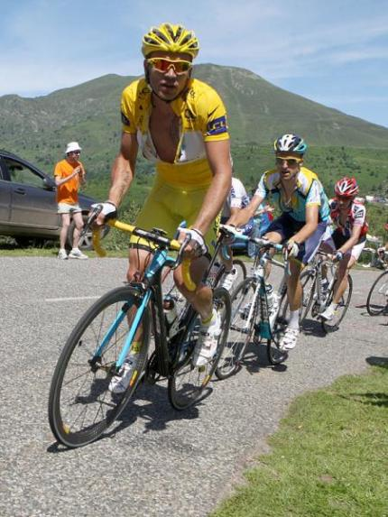 Rinaldo Nocentini (AG2R La Mondiale) is rising to the challenge of riding in yellow.