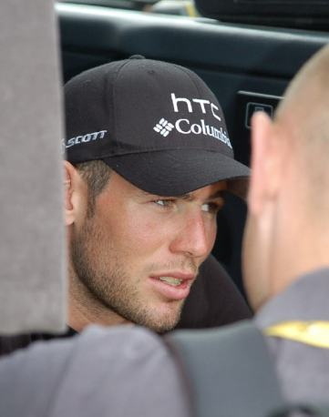 Cav giving an interview to a TV crew - that look is in his eye.