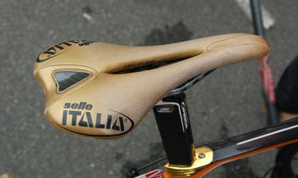 The Selle Italia doesn't stay gold for long.