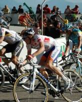 Steven Kruuswijk, looking good in the jersey of best young rider.