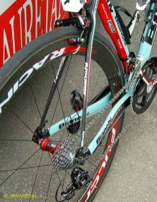 Bianchi provide Ferrari's hardwear with 'Cervelo style' pencil seat stays providing vertical compliance and comfort.