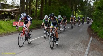 Lap 8: Gary Hand (PedalPower) and Richard McDonald (Dooleys) lead the bunch, which has reformed yet again.