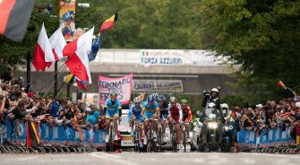 World Elite RR Champs 2012-First on to the Cauberg
