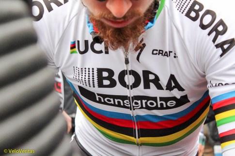 Sagan's beard on the way to sign on.